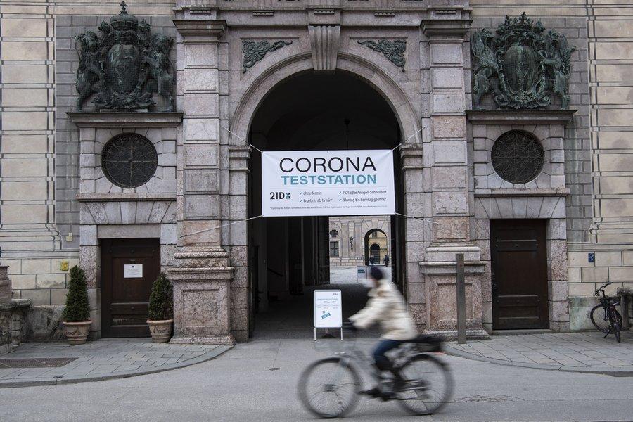 Γερμανία: Ο κίνδυνος μετάδοσης του κορωνοϊού βρίσκεται στο εσωτερικό μη επαρκώς εξαεριζομένων χώρων