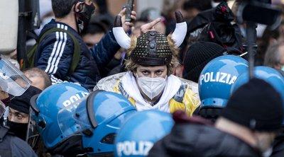 Ιταλία: Επεισόδια σε κινητοποίηση με αίτημα το άνοιγμα των εμπορικών επιχειρήσεων και της εστίασης στη Ρώμη