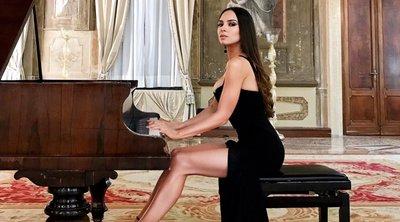 Αυτή είναι η καλλονή πιανίστρια που έγινε viral στο διαδίκτυο - ΒΙΝΤΕΟ