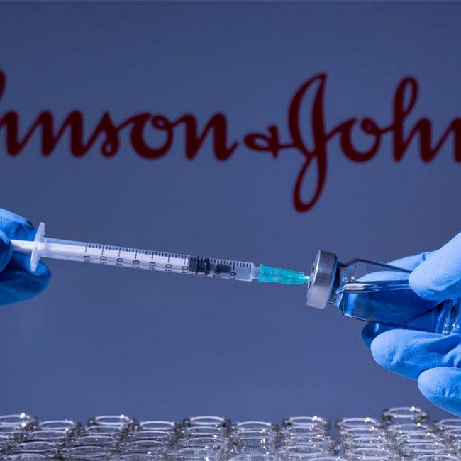 Αναστολή εμβολιασμών με Johnson & Johnson στην Ελλάδα - Τι γίνεται με το  AstraZeneca