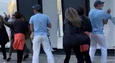 Χαμός στη Γλυφάδα: Πιάστηκαν μαλλί με μαλλί έξω από πολυκατάστημα - ΒΙΝΤΕΟ