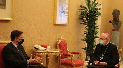 Συνάντηση Βαρβιτσιώτη με ΥΠΕΞ Βατικανού - Τι είπαν για το μεταναστευτικό και την Τουρκία