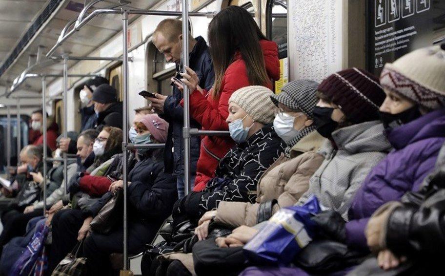 Ρωσία-κορωνοϊός: Οι αρχές ανακοίνωσαν 9.321 νέα κρούσματα και 398 θανάτους