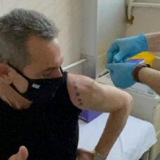 Ο Πάνος Καμμένος πήγε στη Σερβία για να εμβολιαστεί με το Sputnik-V - Το τατουάζ στο μπράτσο του - ΦΩΤΟ