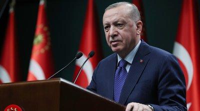 Ερντογάν: Αύξησε μόνος του τον μισθό του