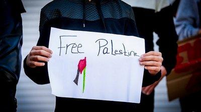 Χιλιάδες άνθρωποι διαδηλώνουν υπέρ των Παλαιστινίων σε Λονδίνο και Μαδρίτη