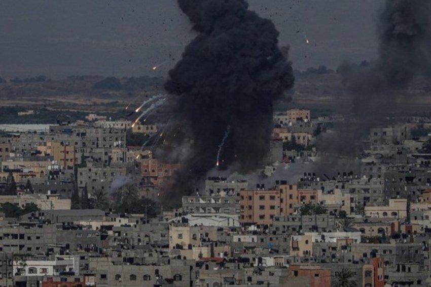 Την ανάγκη άμεσης παύσης των εχθροπραξιών στη Λωρίδα της Γάζας επεσήμαναν οι ΥΠΕΞ Αιγύπτου και Ιορδανίας