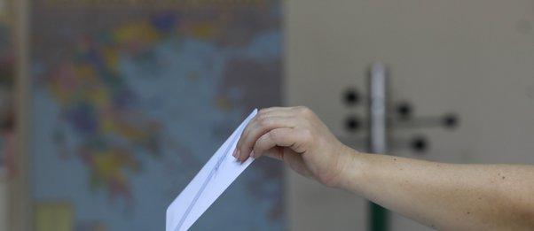 ΟΤΑ: Τέλος η απλή αναλογική - Επανέρχεται η 5ετής θητεία δημάρχων και περιφερειαρχών