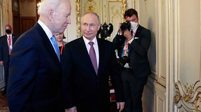 «Άναψαν τα αίματα» μεταξύ Ρώσων και Αμερικανών δημοσιογράφων στο τετ-α-τετ Μπάιντεν - Πούτιν - ΒΙΝΤΕΟ