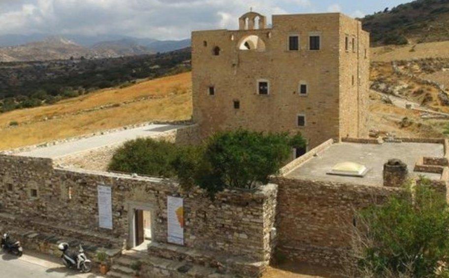 Έκθεση Νίκου Μόσχου στο 21ο Φεστιβάλ Νάξου στον Πύργο Μπαζαίου