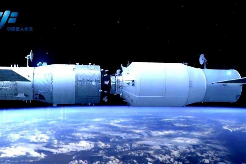 Το επανδρωμένο κινεζικό διαστημόπλοιο προσδέθηκε στον κινεζικό διαστημικό σταθμό