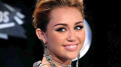 Miley Cyrus: Αντέγραψε το hair look της Πριγκίπισσας Diana