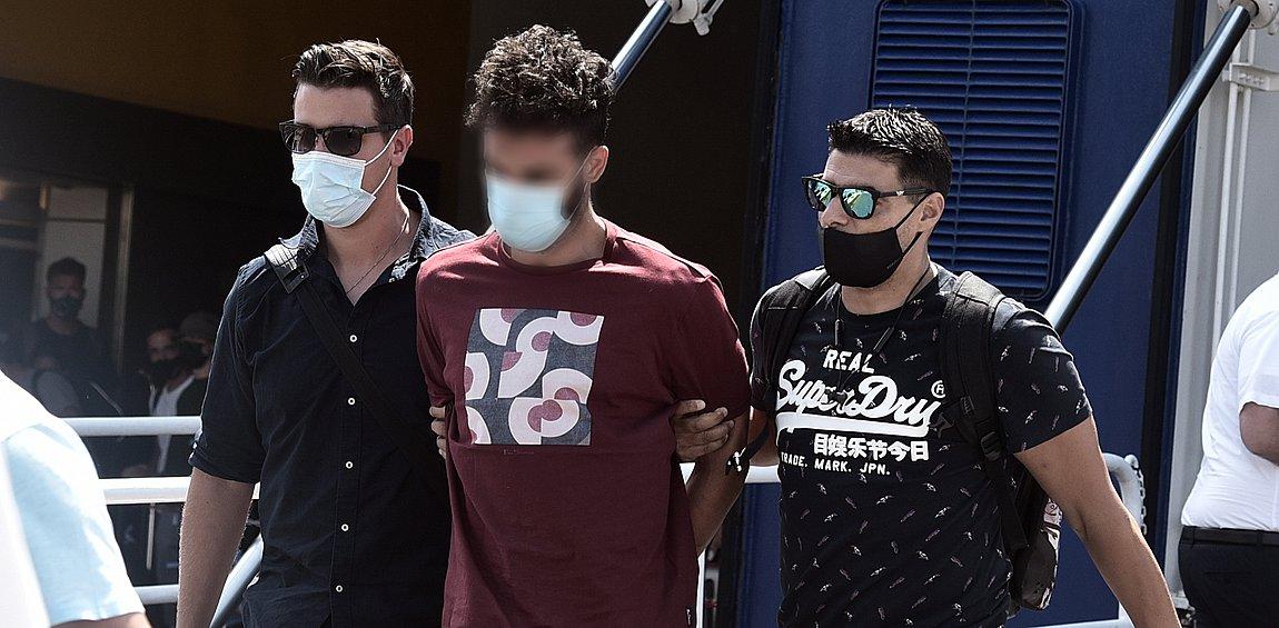 Έγκλημα στη Φολέγανδρο: Τι είπε στην απολογία του ο καθ' ομολογίαν δολοφόνος της Γαρυφαλλιάς