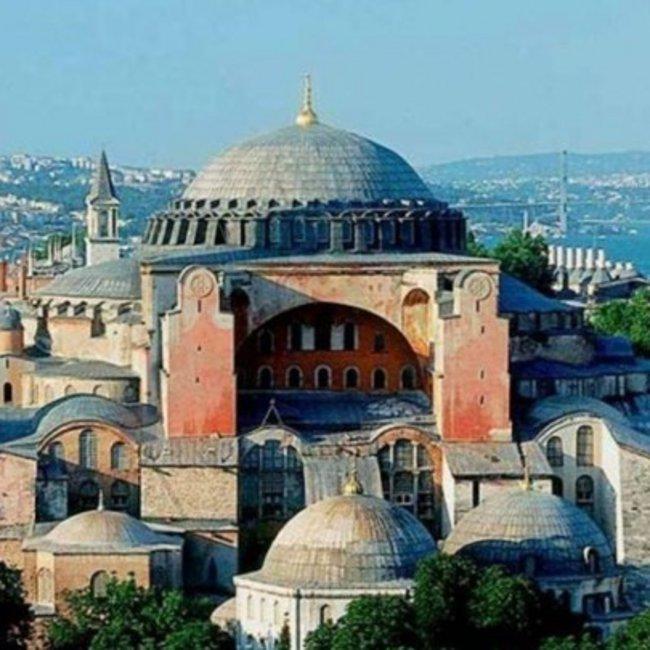 «Χαστούκι» της UNESCO στην Τουρκία για την Αγία Σοφία και τη Μονή της Χώρας