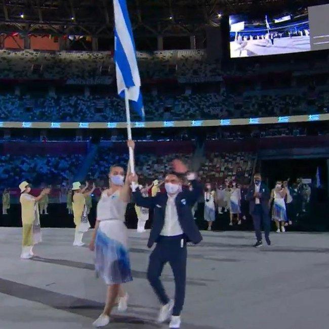Ολυμπιακοί Αγώνες: Η είσοδος τη Ελλάδας στο στάδιο - Η μεγάλη στιγμή των Κορακάκη-Πετρούνια - ΒΙΝΤΕΟ