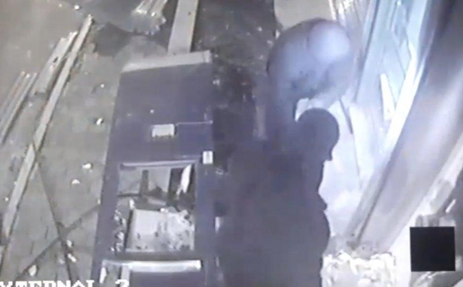 Βίντεο - ντοκουμέντο από τη δράση σπείρας που ανατίναζε ATM - Πώς έφτασαν στα ίχνη της οι Αρχές - ΦΩΤΟΓΡΑΦΙΕΣ