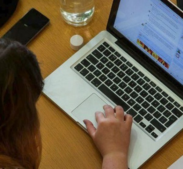 ΣΕΛΠΕ: Πέντε στους δέκα χρήστες διαδικτύου πραγματοποίησαν online αγορά τον τελευταίο μήνα