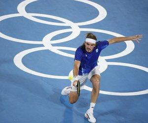 Ολυμπιακοί Αγώνες - Προκρίθηκε στους «16» ο Τσιτσιπάς: «Είναι μεγάλη τιμή που εκπροσωπώ τα ελληνικά χρώματα» - BINTEO