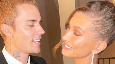 Οι Justin και Hailey Bieber εμφανίστηκαν πιο elegant από ποτέ, με αέρα Hollywood!