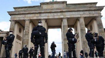 Στους δρόμους οι Γερμανοί κατά των υγειονομικών περιορισμών - Επεισόδια σε διαδηλώσεις στο Βερολίνο