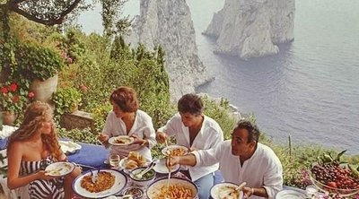 Caprese salad: Η ιστορία και η αυθεντική συνταγή της διάσημης ιταλικής σαλάτας