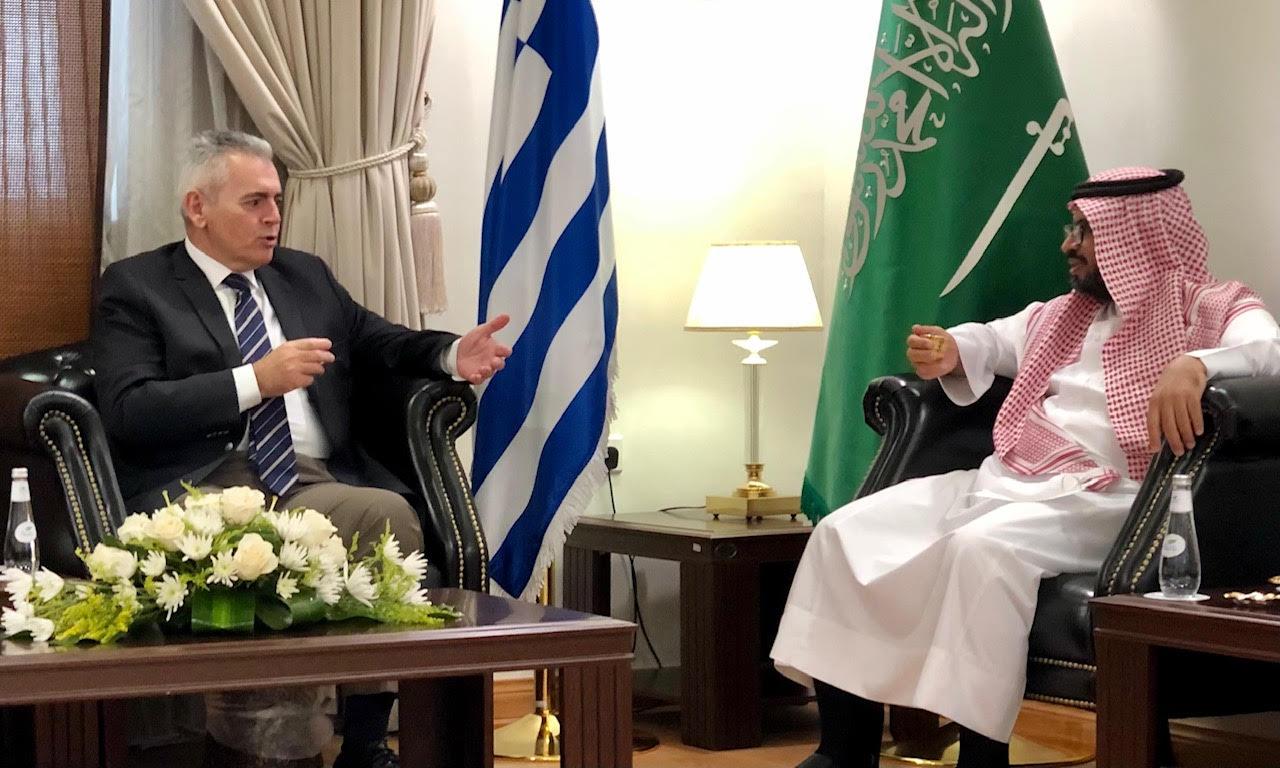 Ο Μάξιμος Χαρακόπουλος ενημερώθηκε για τους σκοπούς του Intellectual Warfare Center από τον Abdullah H. Alhajiri