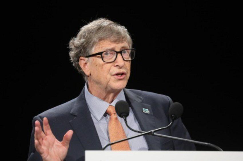 Μπιλ Γκέιτς: Τα τρία βήματα που πρέπει να γίνουν για να τελειώσει η κρίση του κορωνοϊού