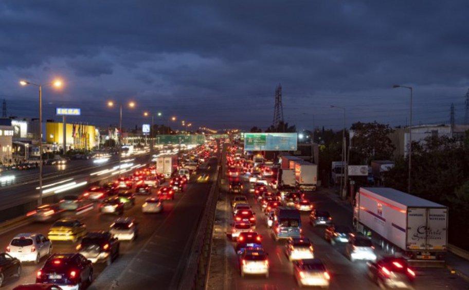 Καραμπόλα 3 οχημάτων στην Εθνική Οδό - Ουρές χιλιομέτρων