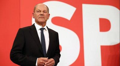 Η επόμενη μέρα στη Γερμανία: Κυβέρνηση συνασπισμού με Πράσινους και Φιλελεύθερους επιδιώκει να σχηματίσει ο Ολαφ Σολτς