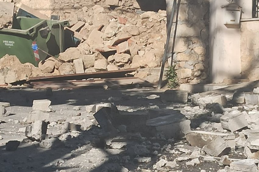 Κλιμάκιο μηχανικών του Υπουργείου Υποδομών στην περιοχή του σεισμού στην Κρήτη