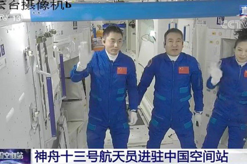 Κινέζοι αστροναύτες έφθασαν στον διαστημικό τους σταθμό - Θα παραμείνουν για έξι μήνες στο διάστημα - ΒΙΝΤΕΟ