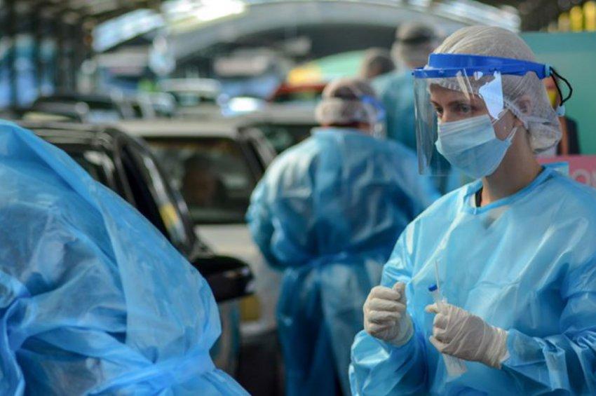 Αλλάζουν τα rapid tests στον ιδιωτικό τομέα: Πώς θα διενεργούνται για τους ανεμβολίαστους