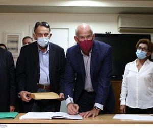 Eκλογές ΚΙΝΑΛ: Πάνω από 20.000 υπογραφές ο Παπανδρέου- Ισχυρό μήνυμα Ανδρουλάκη
