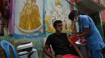 Ινδία-Κορωνοϊός: Χορηγήθηκε σήμερα η δισεκατομμυριοστή δόση εμβολίου