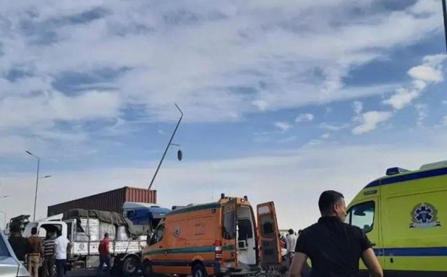 Τραγωδία στην Αίγυπτο: Σφοδρή σύγκρουση φορτηγού με λεωφορείο -  19 νεκροί