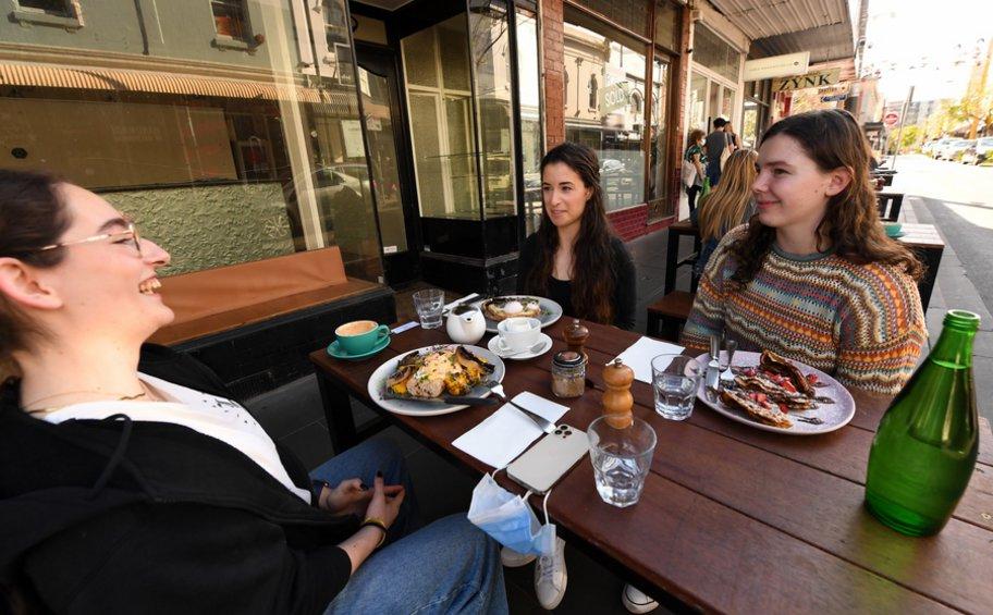 Αυστραλία: Η Μελβούρνη θα χαλαρώσει περαιτέρω τους περιορισμούς καθώς το ποσοστό εμβολιασμού πλησιάζει το 80%
