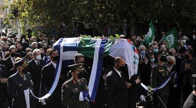 Δείτε LIVE: Η Ελλάδα αποχαιρετά τη Φώφη Γεννηματά - Πομπή ως το Α' Νεκροταφείο